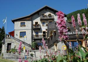Chalet Stella Alpina - Hotel and Wellness - Image1