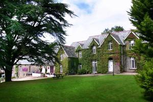 Exmoor Manor B&B and Beggars Roost Inn