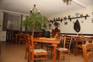 Restaurant-Penzion Zlata Koruna - Image2