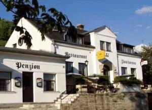 Restaurant-Penzion Zlata Koruna - Image1