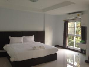Praiyanan Place Hotel - Image3
