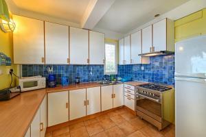 Caribbean Sea View Holiday Apartments - Image2