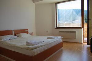 PM Services Riverside Apartments - Image3