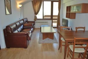PM Services Riverside Apartments - Image2