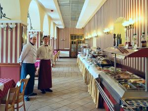 Erzsebet Park Hotel - Image2