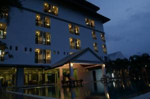 Warawan Resort and Hotel - Image1