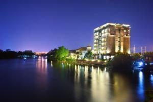 Coco View Hotel - Image1