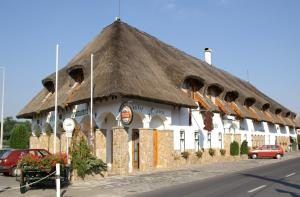 Oreg Halász Hotel és Étterem - Image1