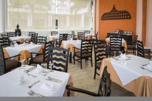 Grand Palladium Lady Hamilton Resort and Spa - Image2