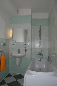 Hotel Ostrov Garni - Image4