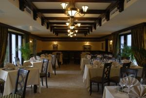 Hotel Restaurant Stejarul - Image2