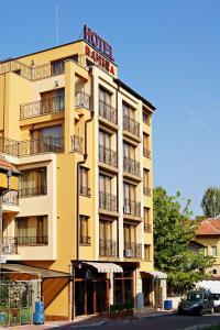 Family Hotel Ramira - Image1