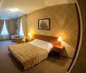 Viking Hotel - Image3