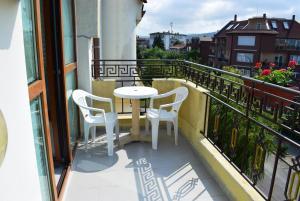 Sunny House Hotel - Image2