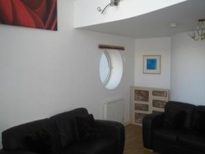The Bedrooms at Archers Serviced Apartments - Kings Dock