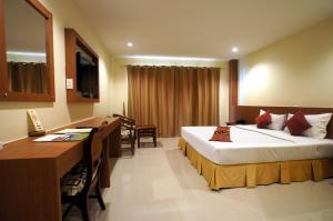 Khao Lak Sunset Resort - Image3