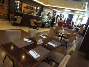 Pearl Continental Hotel, Rawalpindi - Image2