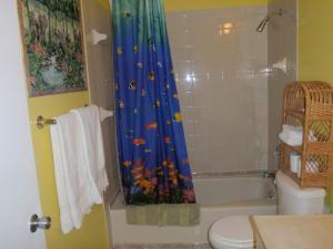 Eldemire s Tropical island Inn - Image4