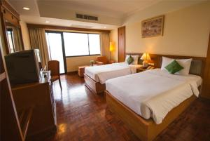 Chakungrao Riverview Hotel - Image4