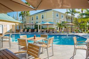 Sunshine Suites Resort - Image4