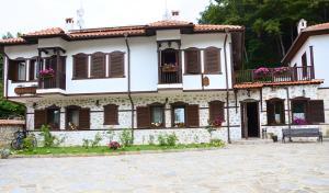 Family Hotel Dinchova kushta - Image1