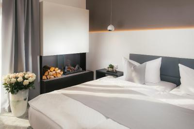 hotel edison hotel edison. Black Bedroom Furniture Sets. Home Design Ideas