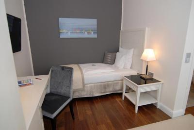 hotel sylt raffelh schen garni deutschland westerland. Black Bedroom Furniture Sets. Home Design Ideas