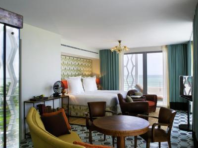 resort soho beach house usa miami beach. Black Bedroom Furniture Sets. Home Design Ideas