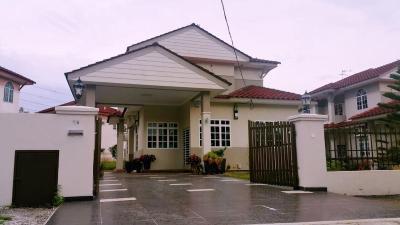 Bungalow house ipoh meru bungalow house ipoh meru for Concetto di design moderno bungalow