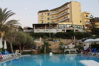 Hotel Za Maria - Santo Stefano di Camastra - Foto 1