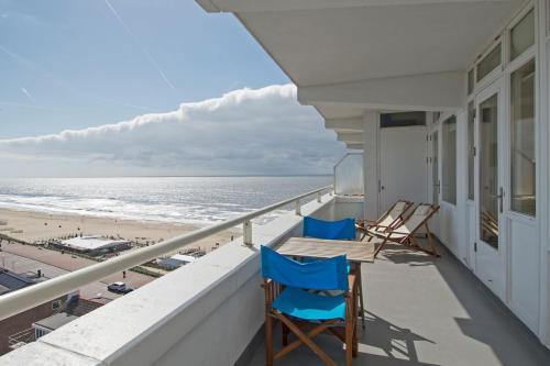 Beach & Sea View Apartment