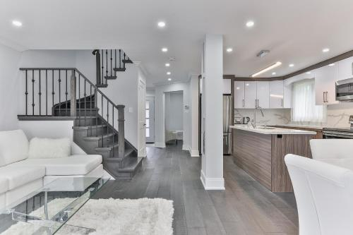 QuickStay - Classy 5bdrm House in Vaughan