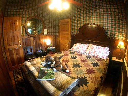 Creekwalk Inn Bed and Breakfast with Cabins