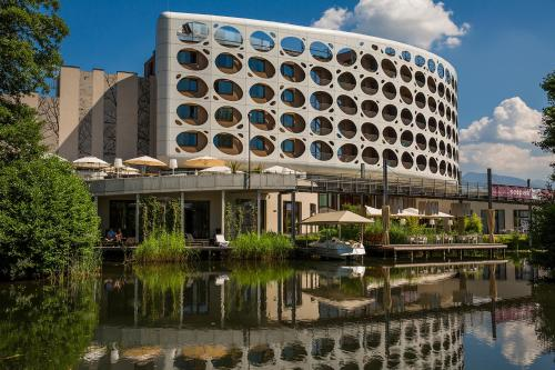 فندق سيبارك للمؤتمرات والسبا