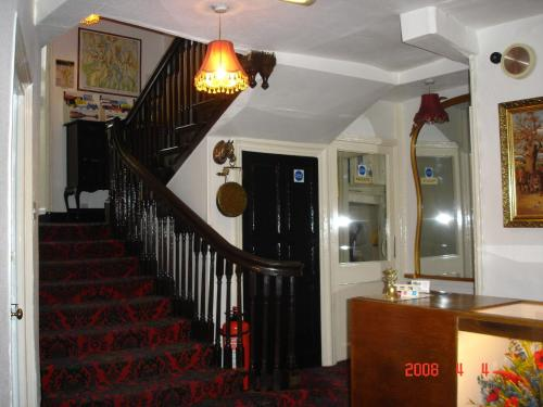 Highgate Hotel