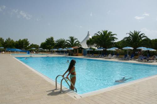 Costa degli etruschi villaggi turistici villaggi vacanze nella zona costa degli - Camping in toscana sul mare con piscina ...