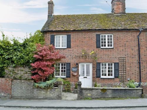 Corner Cottage IV