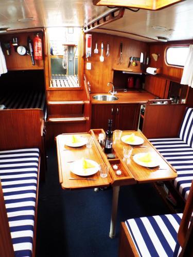 鹿特丹中心私人船屋