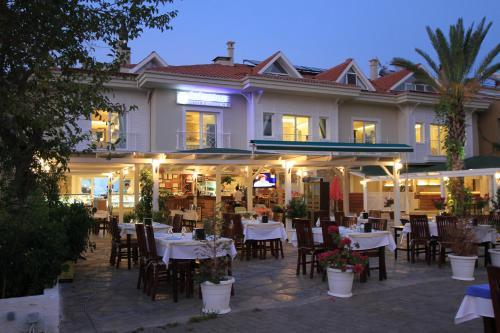 فندق Dedeminn Marina