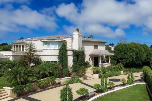 La Jolla Scenic Mansion