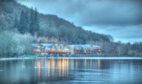 洛蒙德湖畔住宿酒店