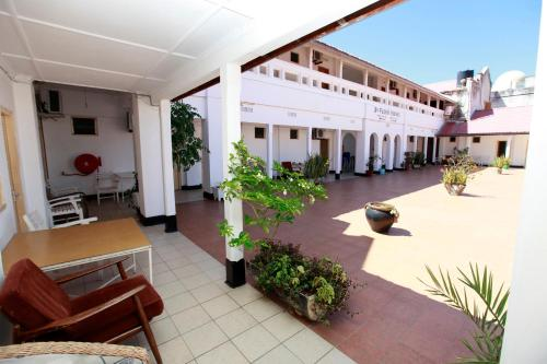 New Palm Tree Hotel