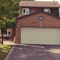 Large Home in central Mississauga