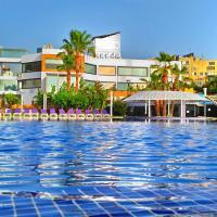 فندق ومنتجع شاطئ سِنسِز