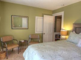 Huckleberry Hill Bed and Breakfast, ساندبوينت