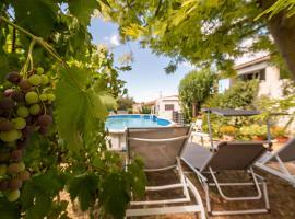 Les Chènevières maison avec piscine pour 6 personnes, Générac