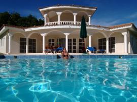 Caribbean Villa in Paradise, Gurapito