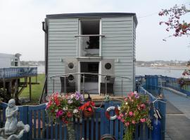 Houseboat Harbourside View, Bembridge