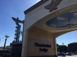 Thunderbird Lodge, ריברסייד