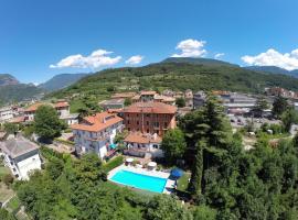 Hotel Sant'Ilario, רוברטו